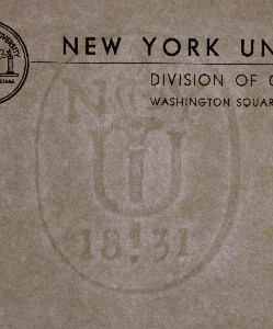 NYU 1831 (New York University) marca al agua